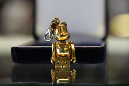 MOS BURGER BE@RBRICK LIMITED EDITION 14K GOLD