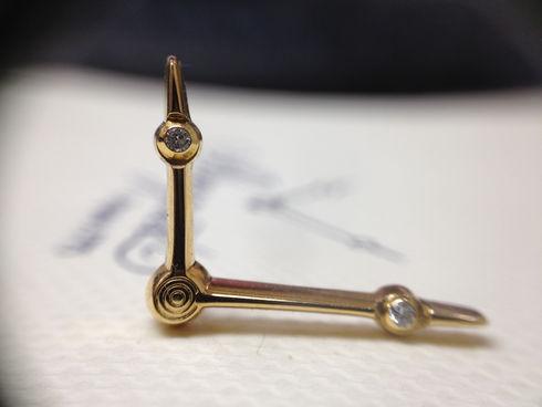 ブレゲ製 ラベルピン K18YG製 ダイヤモンド