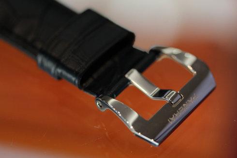 PAM00449 「PANERAI」のロゴ入りレザーストラップ、ポリッシュスティール製大型バックル