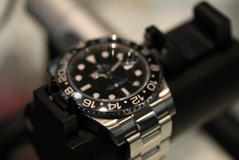 ROLEX GMT-MASTER II 116710LN ロレックス、最新の流通相場で高価無料査定いたします!