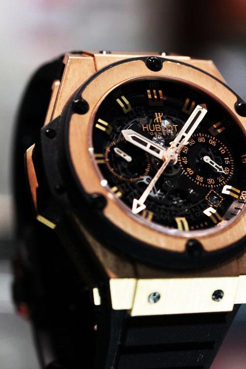 腕時計買取 ウブロ ビッグバン ウニコ キングゴールド / Ref.701.OX.0180.RX