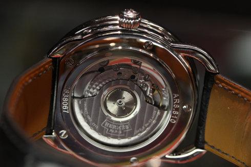 ケース裏画像 Hermes Arceau Grande Lune Men's Automatic Date Watch