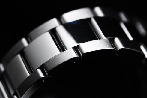 2007年に登場した現行モデルは、GMT針にグリーンを採用