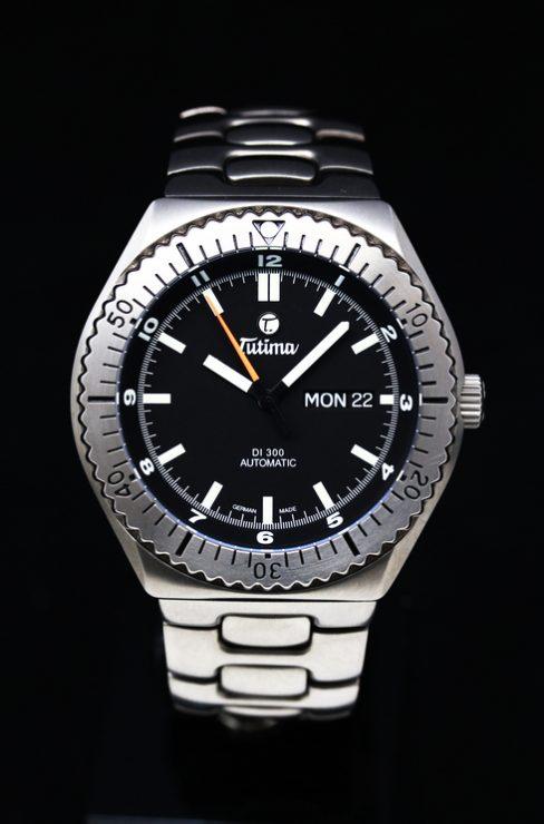 買取品 | TUTIMA DI 300 Black Ref.629-02 Cal.ETA 2836-2