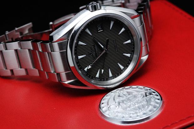 シーマスター アクアテラ クォーツ(M) 231.10.39.60.06.001「京都屋」は人気ブランド の腕時計・ジュエリーを豊富に取り揃えております