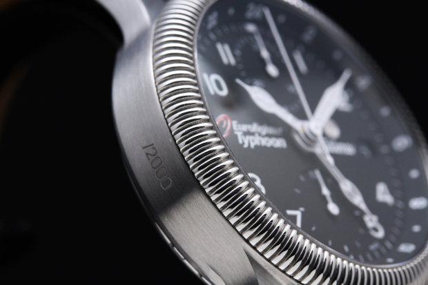 チュチマ フリーガークロノ ユーロファイター タイフーン 世界最新戦闘機のユーロファイターの公式時計限定2000本