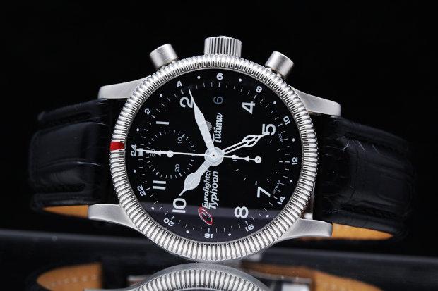 """TUTIMA(チュチマ)とはラテン語で""""精密""""を意味するTUTUSに由来。その名の通り確かな品質と性能で世界中の時計ファンを魅了しています。"""