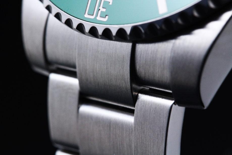 ロレックスは良くも悪くも「ザ・高級時計」って感じでブランド性は高いと思います。