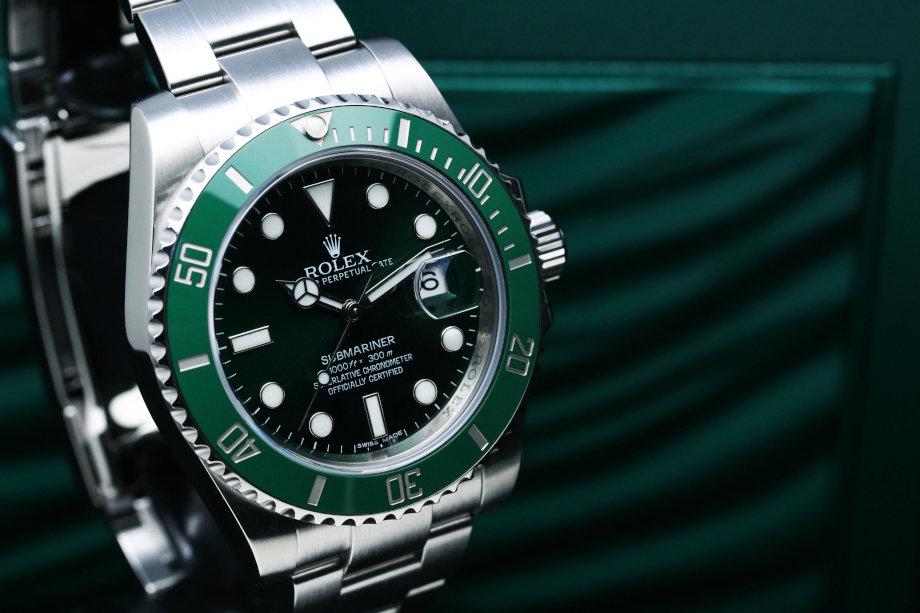 人とは違うちょっと小洒落れた時計で、程よい高級感、使いやすさを兼ね備えてます。さすがサブマリーナといったとこでしょうか。