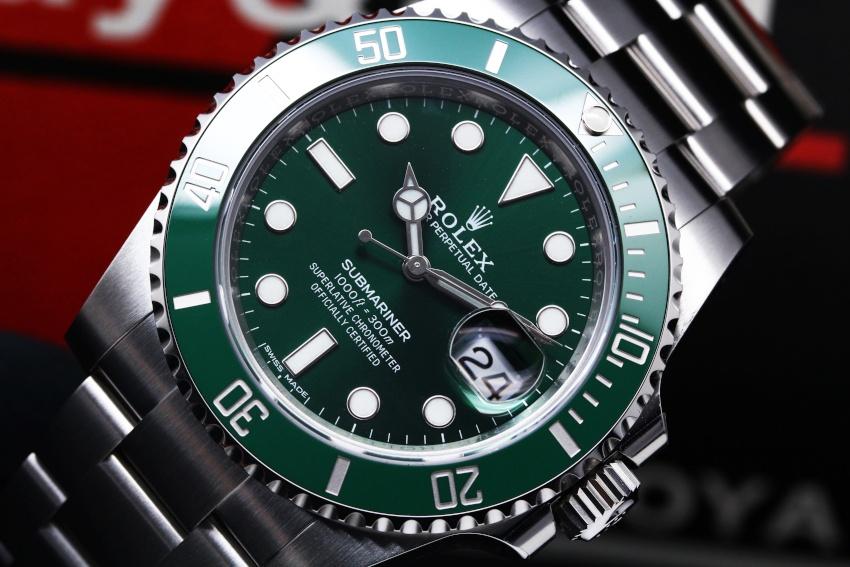 ブランド ロレックス モデル グリーン サブマリーナ デイト 型番 116610LV