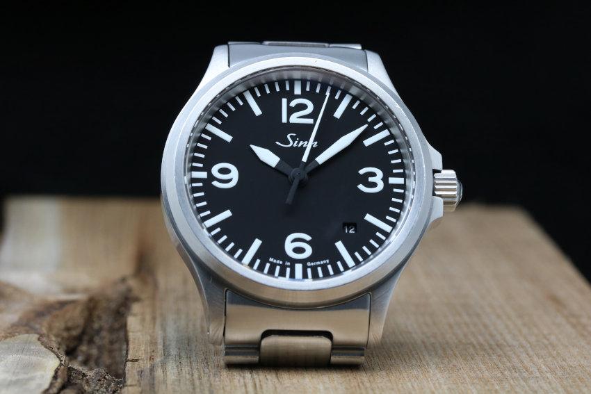 Sinn Uhren: Modell 556