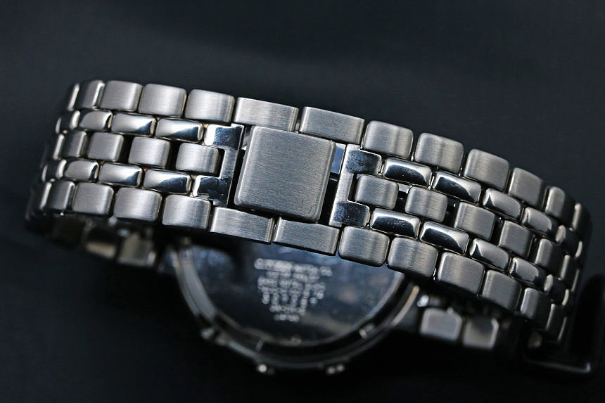 シチズン 多局受信型電波腕時計7400 7400-C70015 TA
