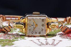 1940's Vintage Rolex Precision Ladies Ref.8002 9k Yellow Gold Watch