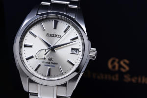 Pre-Owned Grand Seiko Spring Drive SBGA001