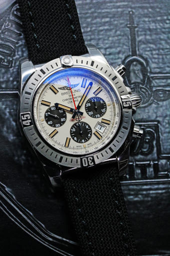 BREITLING Chronomat 44 AIRBORNE A005G86PA