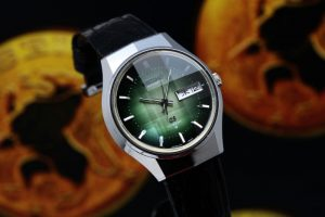 Grand Seiko 5646-7020 Faceted Crystal Green Dial
