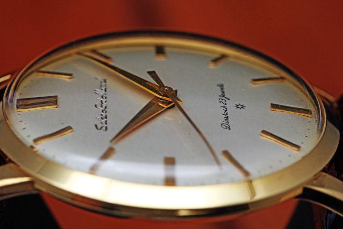 セイコー ロードマーベル J14050 初期型 彫り込み文字盤 18金イエローゴールド はまぐりケースケース