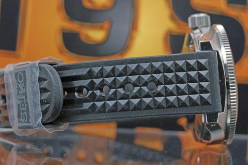 SBDX019 Band : Silicon