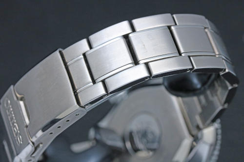 SBDX023 Steel bracelet with Diashield (anti-scratch) coating