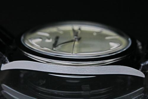 SBGX331 Case Diameter 38 mm