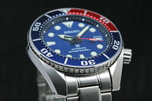 Diameter: 44 mm (w/o the crown) Thickness: 13.3 mm