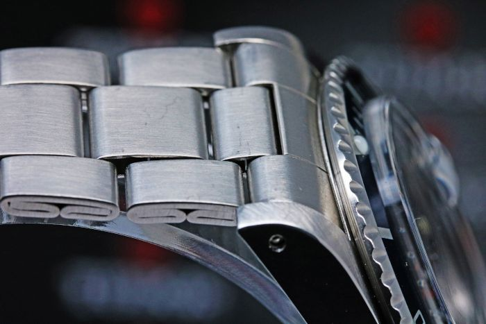 チューダー サブマリーナ デイト 79090 ブルー トリチウム 自動巻き 2824-2 1990年代前半 ーバーホール済み