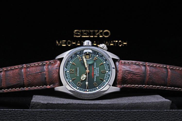 SCVF009 Cool watch