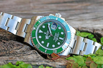 ROLEX Green Submariner Date 116610LV