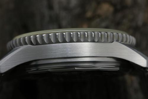 ケースサイド部分の画像 ブライトリング ナビタイマー ファイターズ A13330