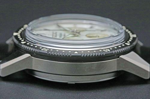 SARK015 Grass  : sapphire crystal