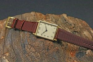 DUNHILL Square Breguet Numbers Ref.9009 Cal.K8181CW